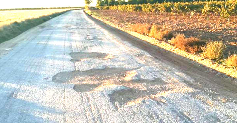 El Gobierno regional contribuye a mejorar la actividad agraria de la comarca de La Mancha con la adecuación del camino del Cirujano que Beneficia a las localidades ciudadrealeñas de Alcázar de San Juan, Argamasilla de Alba, Campo de Criptana y Tomelloso