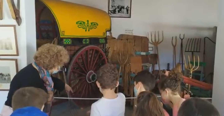 Alumnos de 3º de primaria del CEIP Carmelo Cortés de Tomelloso visitan el Museo del Carro