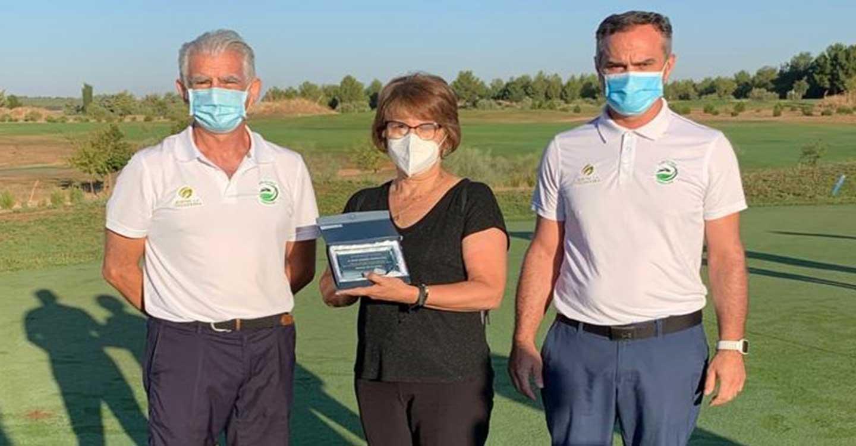 El Club de Golf Tomelloso celebró el Torneo Memorial víctimas por COVID-19 y reconocimiento sanitario