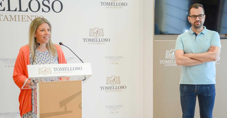La alcaldesa de tomelloso, Inmaculada Jiménez, presenta los conciertos de Feria que serán gratuitos y para todos los gustos y edades