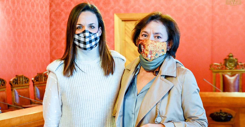 La Corporación Municipal despide a las concejalas del grupo socialista Laura Gallego e Isi Serna, agradeciendo su trabajo por Tomelloso