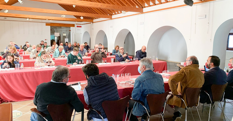 El vino ha sido protagonista hoy en la programación de 'Degusta Tomelloso' con el IV Concurso Nacional de Catadores