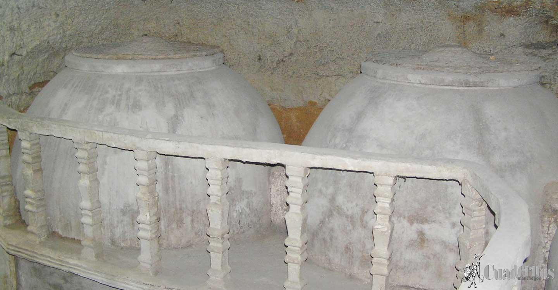 Cuevas de Tomelloso : De las tinajas de barro a las de cemento