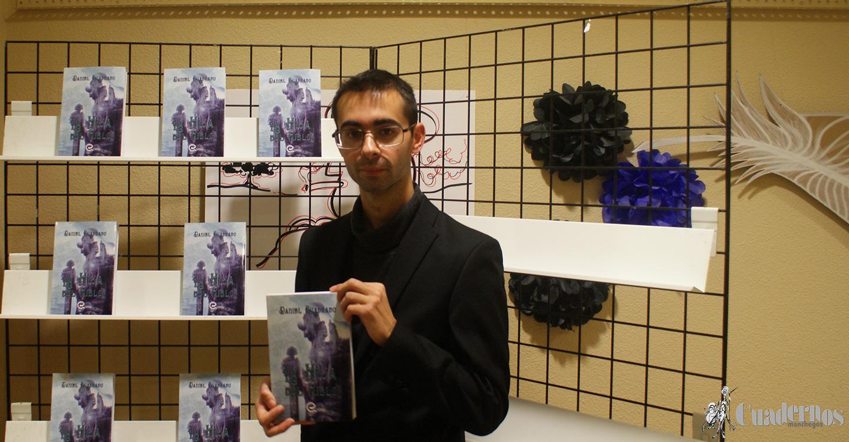 """El escritor Daniel Cuadrado Morales ha presentado en Tomelloso su nueva novela """"La Hija del Hielo"""", tercera obra que supone una nueva trayectoria en su orientación como escritor."""