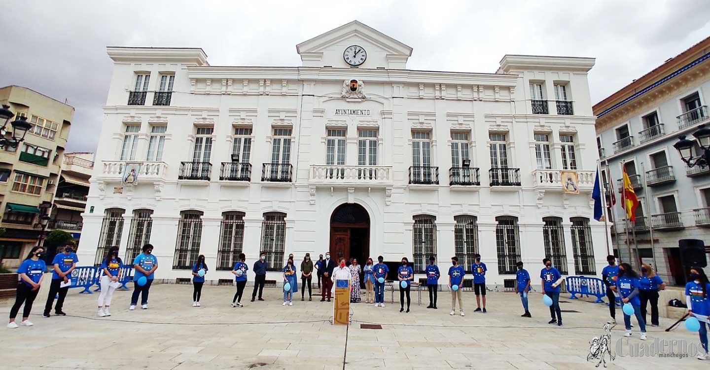 El IES Eladio Cabañero celebra el Día de Europa en la Plaza de España de Tomelloso