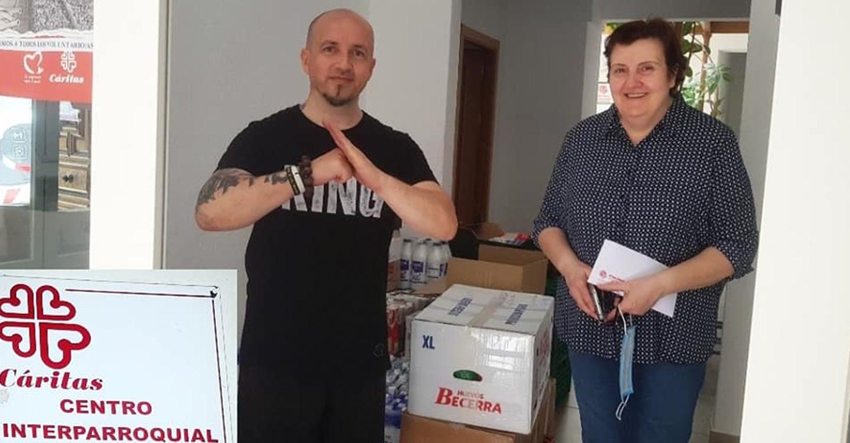 Tomelloso Ayuda, Equipo Ayuda y Grupo CV participan en la donación de alimentos para Cáritas Tomelloso