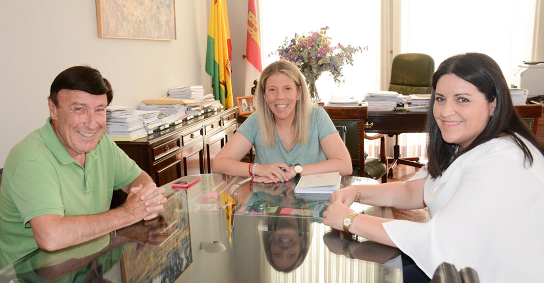 El Ayuntamiento renueva su colaboración con el Centro de Día San Rafael