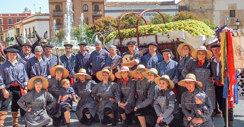El sábado se celebra el XVIII Festival de Mayos en honor a la Virgen de las Viñas