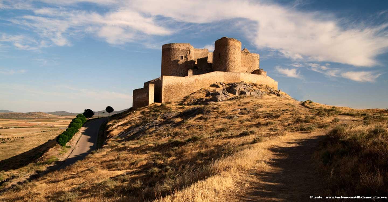 El viejo castillo de la Muela de Consuegra