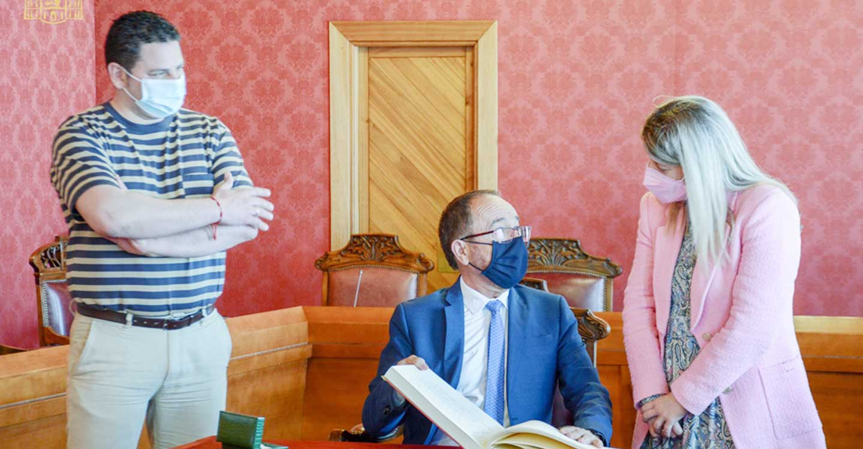 Inmaculada Jiménez recibe al Embajador de España ante la UNESCO en su visita Tomelloso