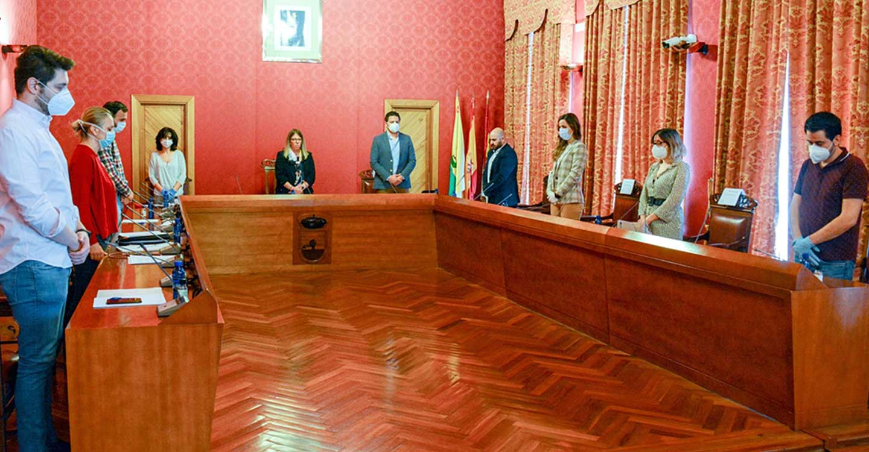 El equipo de gobierno del Ayuntamiento de Tomelloso informa en el pleno sobre las medidas económicas para luchar contra la crisis del COVID-19