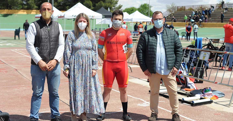Espectacular jornada de ciclismo en pista la ofrecida el sábado en Tomelloso por equipos junior y cadetes