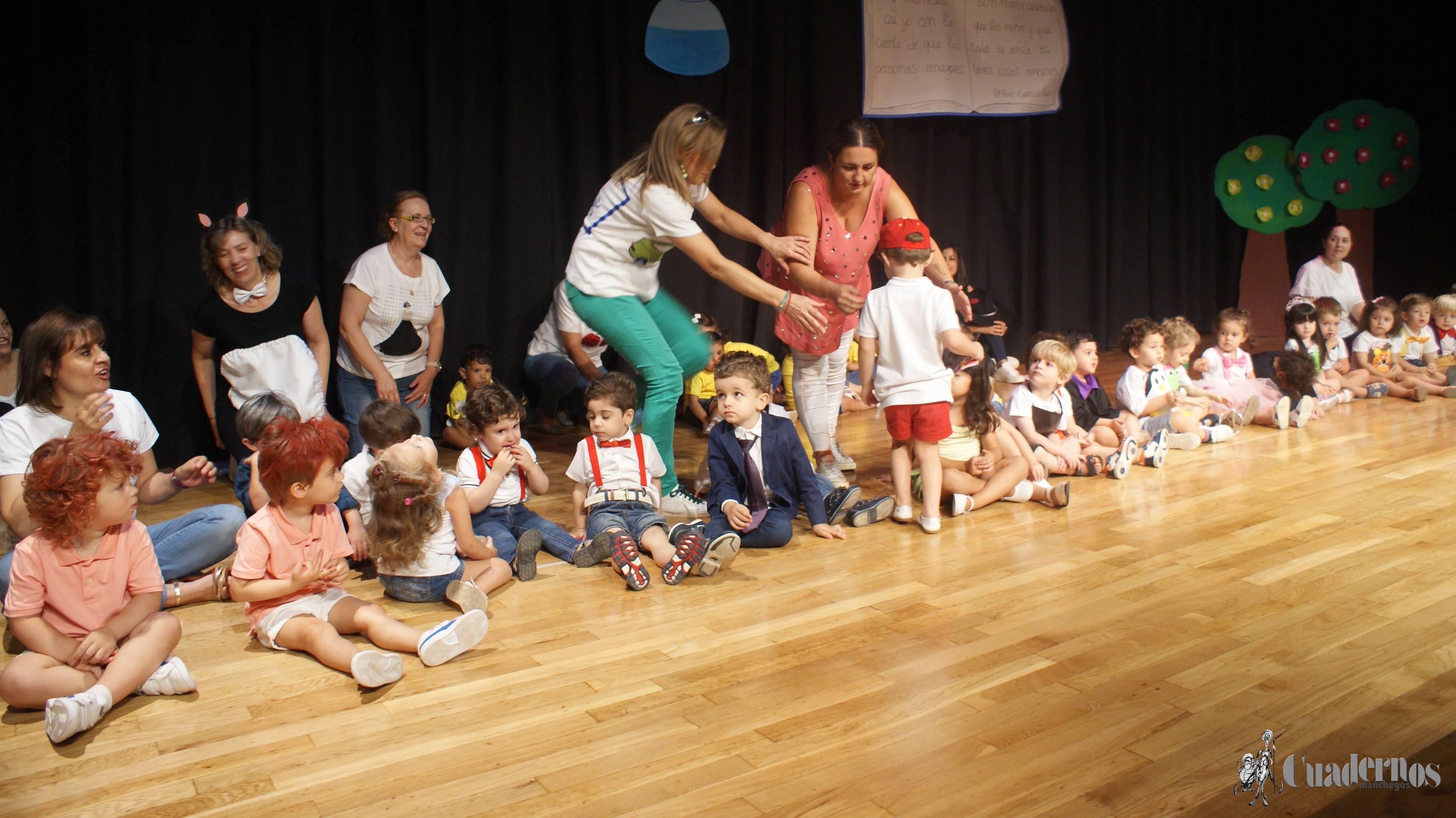 """La  EscueIa de Educación Infantil """"Lorencete"""" ha cerrado el curso escolar con un acto emotivo del que han podido disfrutar todos los asistentes por la brillantez y entusiasmo puesto por los niños de los distintos cursos"""