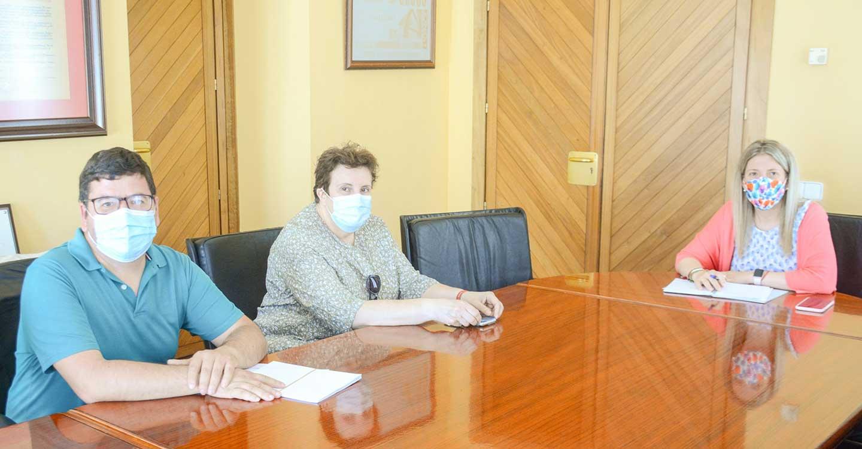 La alcaldesa de Tomelloso firma un convenio con Cáritas para la prestación de ayudas sociales, con un una aportación municipal de 49.000 euros