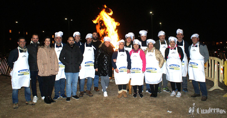 Tomelloso celebró las hogueras de San Antón en una noche fría de invierno
