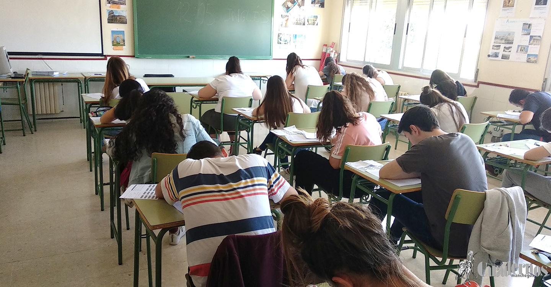 Hoy han arrancado las pruebas de Evaluación para el Acceso a la Universidad (EVAU) en el IES Eladio Cabañero,