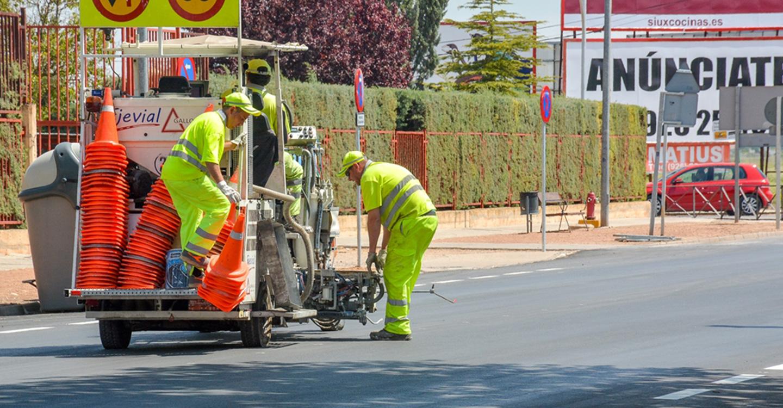 Comienza un nuevo proyecto de señalización horizontal para mantenimiento de calles principales en la localidad de Tomelloso