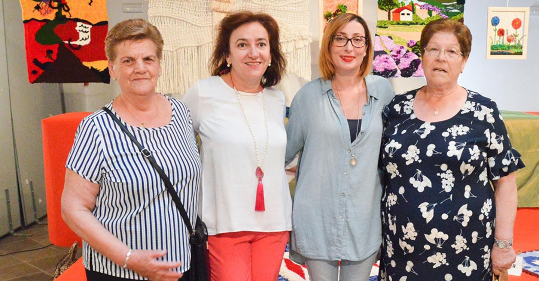Inaugurada la exposición de los trabajos del programa de Actuación Comunitaria