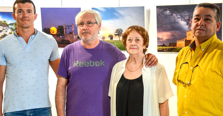 Inaugurada una exposición fotográfica en la Posada de los Portales a beneficio de la AECC