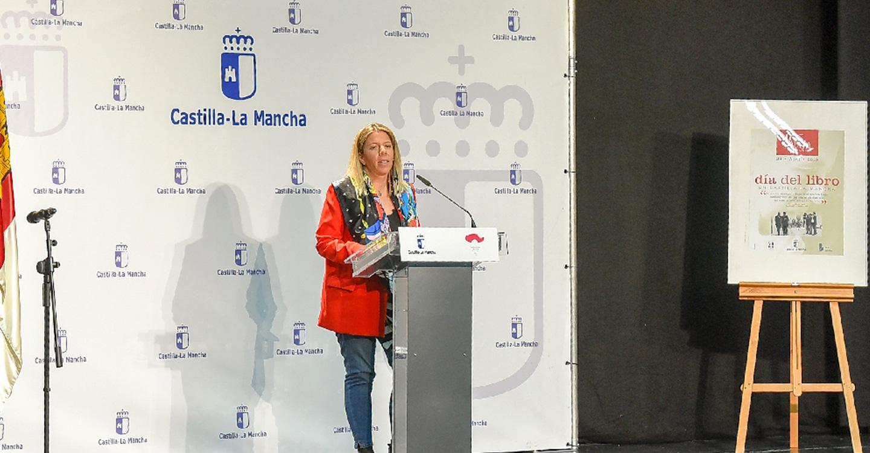 Inmaculada Jiménez, protagonista en el acto institucional del Día del Libro celebrado en Ugena