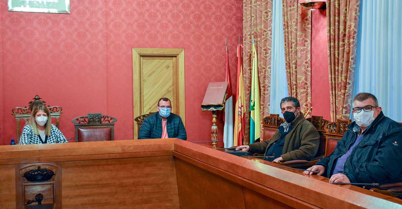 Inmaculada Jiménez se reúne con el presidente del Atlético Tomelloso
