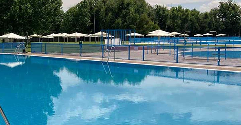 IU Tomelloso denuncia la privatización del servicio de socorristas de la piscina municipal de Tomelloso.