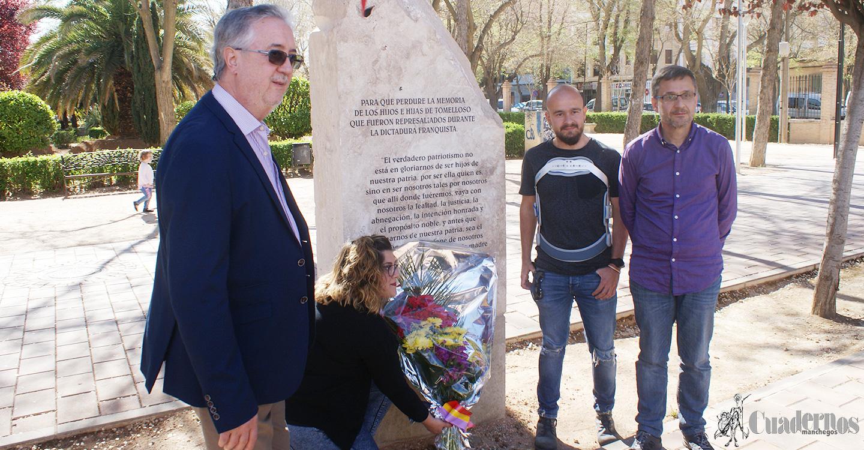Unidas-Podemos realiza una ofrenda floral en conmemoración al 88 aniversario de la II República.