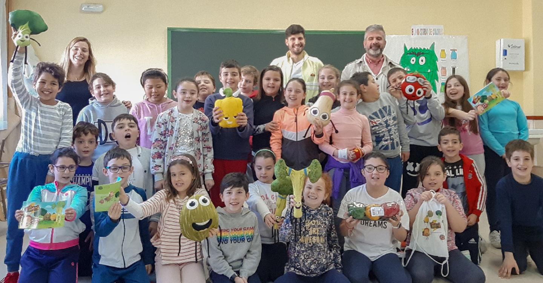 """La actividad de hábitos de alimentación saludable """"Brocolín y la Pandi"""" recorre los colegios de Tomelloso"""