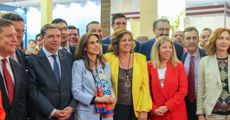 La alcaldesa de Tomelloso asiste a la inauguración de Fenavin