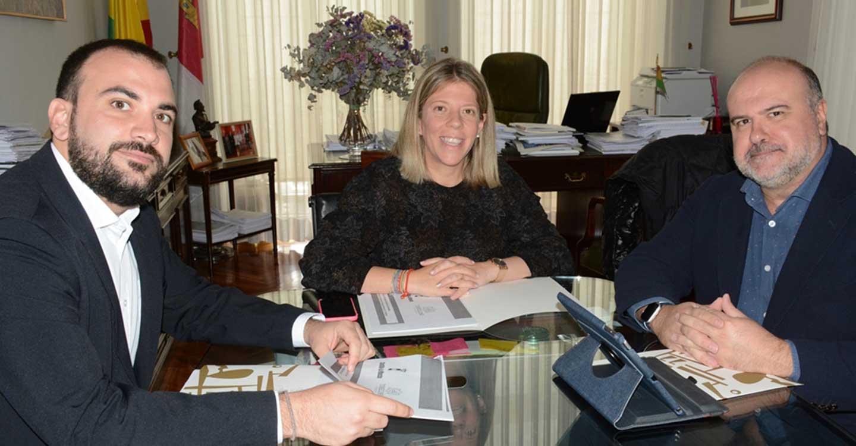 La consejería de Desarrollo Sostenible se interesa por las demandas del Ayuntamiento de Tomelloso