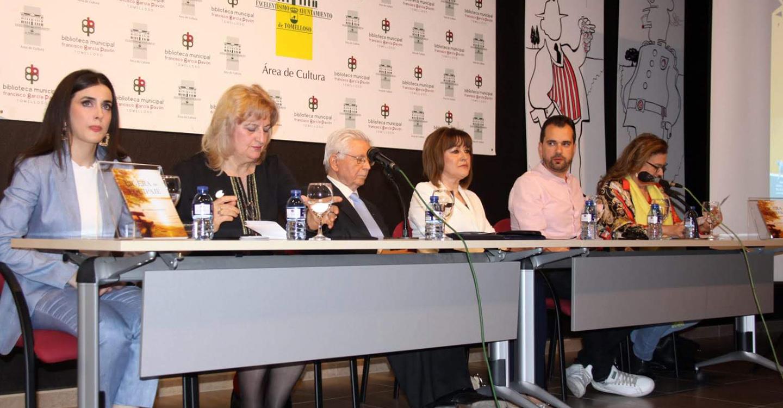 """""""Ligera de equipaje""""  de María Teresa Lozano"""