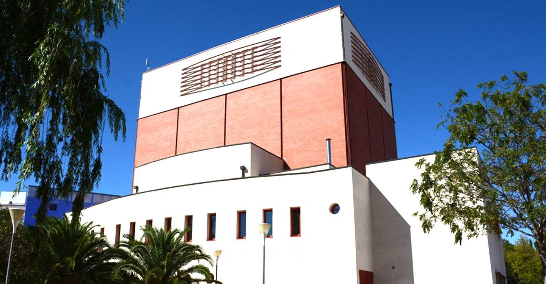 Lista una importante labor de mantenimiento en la cubierta del Teatro Municipal de Tomelloso