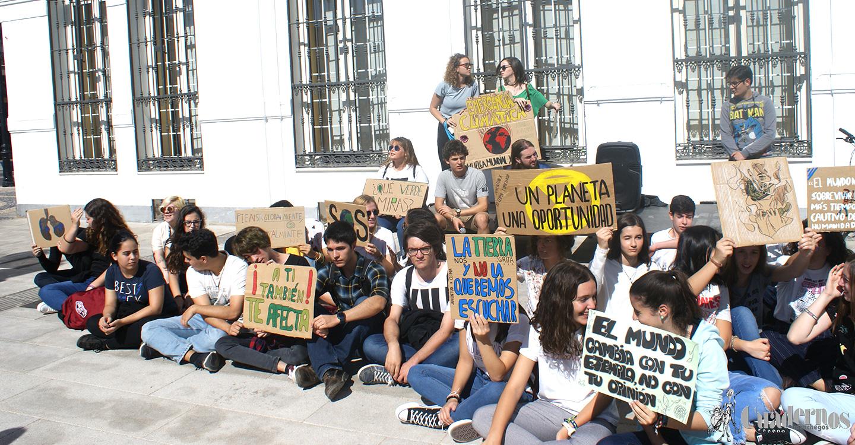 Miles de los estudiantes de Castilla-La Mancha han secundado la Huelga por el Clima