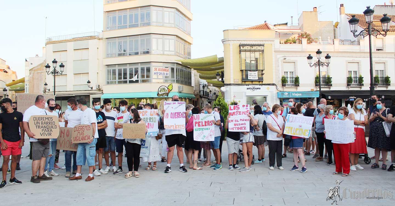 Unas 300 personas acuden a la manifestación en Tomelloso para exigir más vigilancia en el Barrio de San Juan y poder vivir con tranquilidad y seguridad