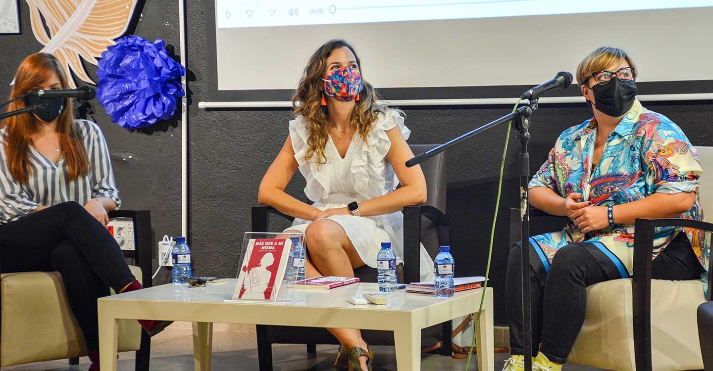 """María Matamoros presenta su libro """"Más que a mí misma"""" en la Biblioteca"""