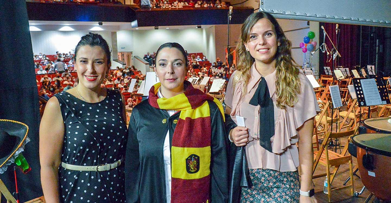 Marta Baños debuta con éxito al frente de la banda de música de la asociación Santa Cecilia