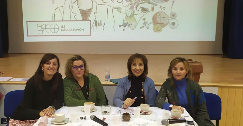 Mesa-Coloquio en el IES Francisco García Pavón para celebrar el día Internacional de la Mujer y la Niña en la Ciencia