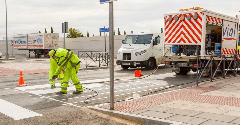 Iniciado un nuevo proyecto de señalización horizontal para mantenimiento de calles principales en la localidad de Tomelloso
