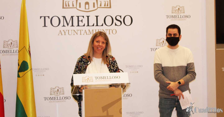 Inmnaculada Jiménez da a conocer los nuevos cambios en las concejalías con las incorporaciones de Montserrat Benito Ortiz y Amadeo Treviño Díaz