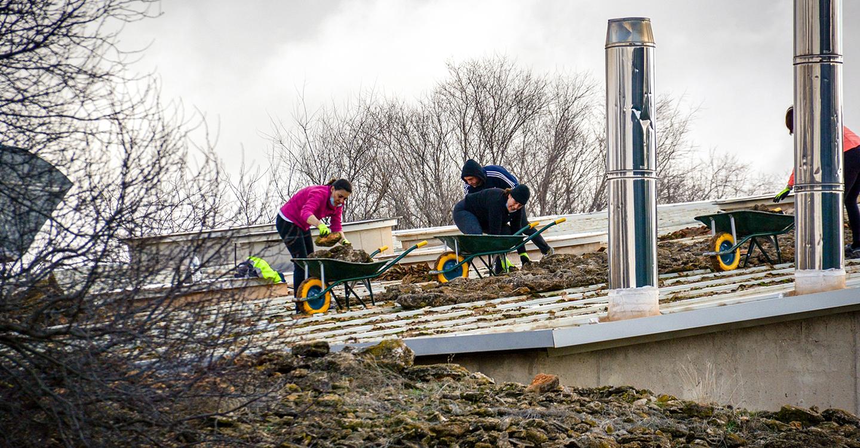 Iniciadas las obras de reparación de la cubierta de la piscina climatizada de Tomelloso