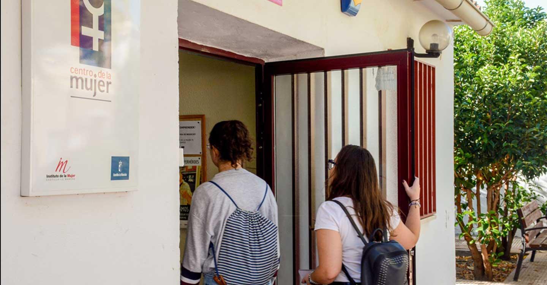 El Centro de la Mujer de Tomelloso presenta una oferta formativa on-line para el empoderamiento de mujeres en empleo y emprendimiento