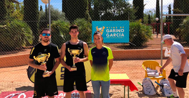 Once parejas disputaron el III Torneo de Verano de Tenis Playa, en el que lograron la victoria Adrián Morales y Sergio González