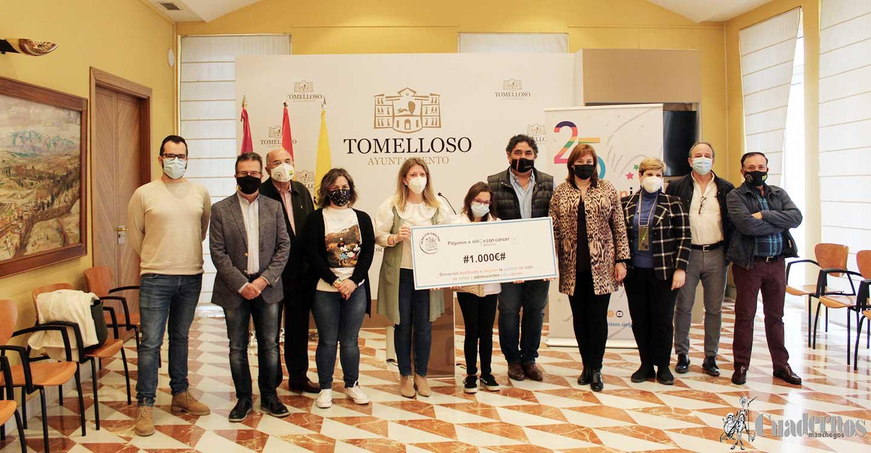 La Peña Los Canuthi dona la recaudación de la Lotería de Navidad a Afanion