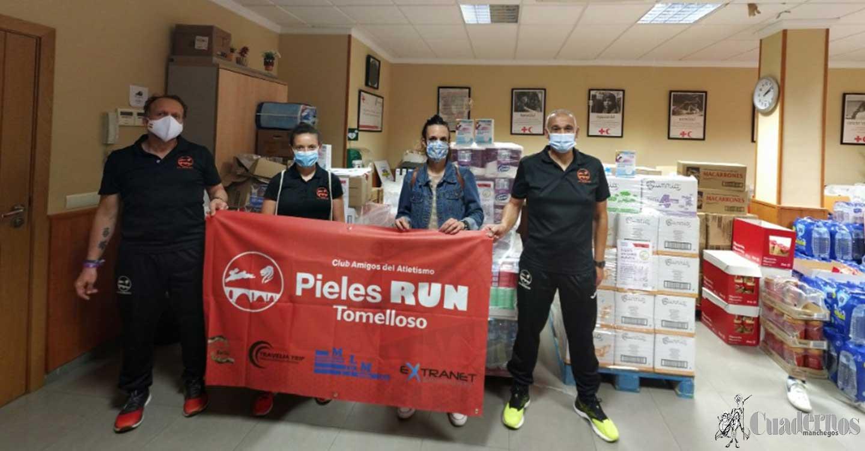 Los Pieles Run entregan el material adquirido de su actividad «Muévete 43 minutos por 43 días»  a Cruz Roja Tomelloso