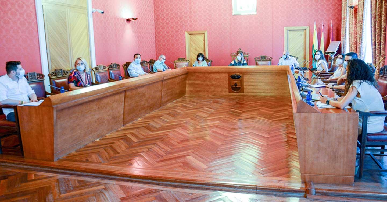 El pleno aprueba modificaciones de crédito por 573.000 € para financiar ayudas e inversiones que contribuyan a paliar efectos de la crisis por COVID-19