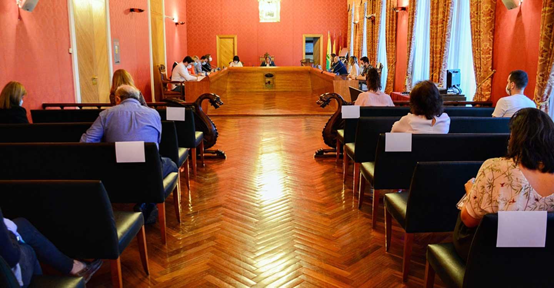 El pleno municipal aprueba por unanimidad una moción pidiendo la UCI para el hospital de Tomelloso