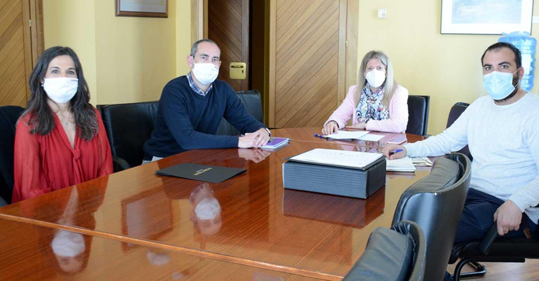 Inmaculada Jiménez se reúne con representantes de Osborne para conocer sus propuestas de promoción comercial y turística