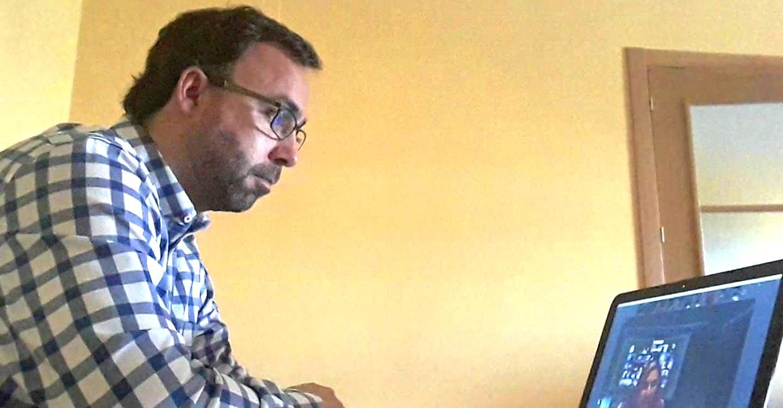 Javier Navarro y miembros nacionales del PP mantienen videoconferencias en las que recuerdan la necesidad de hacer test masivos a la población