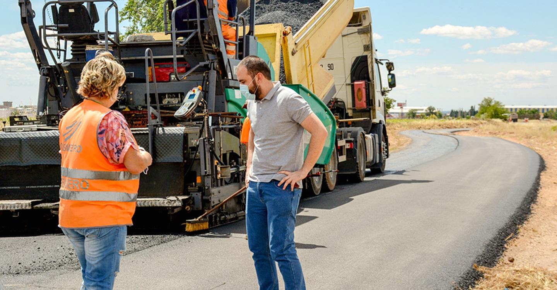 Iniciadas las obras de acondicionamiento del firme del camino del Campo