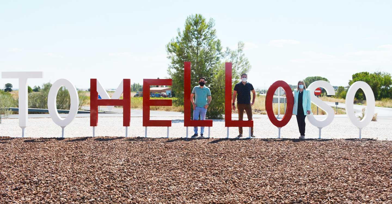 """""""TOMELLOSO"""" y """"HELLO"""", dos palabras en una para dar la bienvenida a la ciudad"""